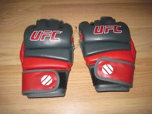 UFC Ultimate Fighting Championship Official Small/Medium Leather Fight Gloves