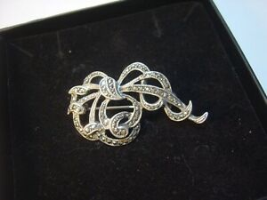 BEAUTIFUL VINTAGE SOLID SILVER- SPARKLY MARCASITE FLORAL BOOCH-SUPERB QUALITY