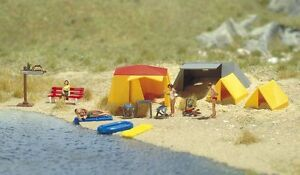 OO/HO Life Scenery - Camping site with tents & lifeboat - Busch 6026 P3