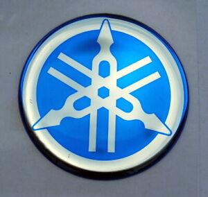 2 x ORIGINAL Yamaha- 3cm -EMBLEM -Aufkleber-BLAU/CHROM-Emblème-Emblema-30mm LOGO