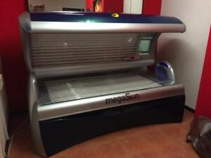 MEGASUN 4000 LAYDOWN SUNBED With 40x EU 0.3 Tubes - Tanning Salon