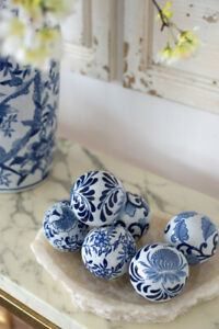 6x Hamptons Style Blue And White Decorator Ceramic Balls 8cm Round Orbs