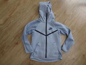 NIKE boys grey hooded zip thru jumper hoodie AGE 6 - 7 YEARS EXCELLENT