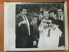 Vintage AP Press Wire Photo 1987 President Reagan and Twins Pitcher Frank Viola