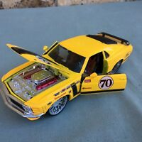 MAISTO 1970 FORD MUSTANG BOSS 302 1/24 SCALE RACE CAR #70 FIRESTONE YELLOW METAL