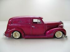 REVELL - LOWRIDERS - (1939) '39 CHEVY / CHEVROLET SEDAN DELIVERY - 1/64 DIECAST