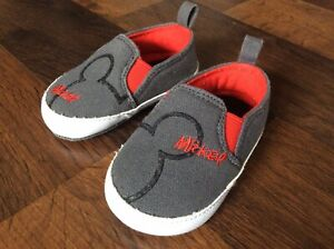 Disney Mickey Mouse Baby Boys Crib Shoes Size 2 Gray Red