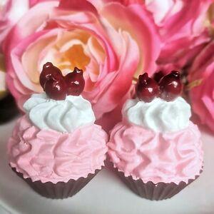 2 x Petit Fours Kleines Törtchen Macarons Rosa Beeren Muffin Cupcake Fake Kuchen