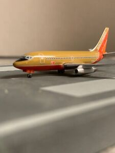 Inflight 500 scale model Southwest Airlines B 737-2  Commercial Airliner N95SW