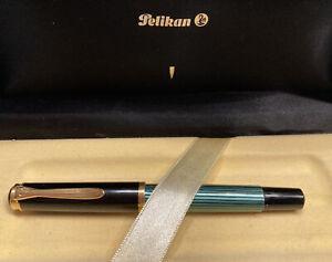 Pelikan M400 Fountain Pen Green and Black Medium Nib in Box
