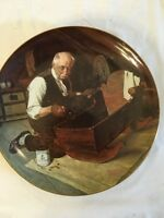 """KNOWLES NORMAN ROCKWELL """"GRANDPAS GIFT"""" COLLECTOR PLATE #15476G"""