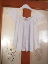 Ladies white round neck, loose fitting top by River Island.  Size 6