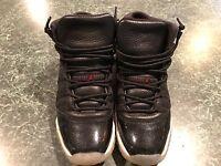 Air Jordan 11 72-10 YOUTH Black/Gym Red/White Size 7Y w/ Original Box *USED*
