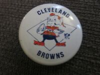 VINTAGE CLEVELAND BROWNS button badge pin old NFL rare football BROWNIE