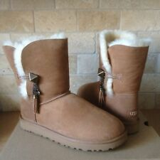 UGG Lilou Bailey Button Charms Chestnut SuedeCuff Short Boots Size US 6 Womens