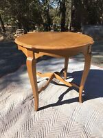 Ethan Allen Country French Round Lamp End Table