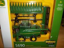 TOMY JOHN DEERE S690 TRACKED COMBINE  REPLICA PLAY SET 1/64 SCALE