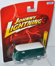 Forever 64 R22 - 1965 VW TRANSPORTER - green/white - 1:64 Johnny Lightning