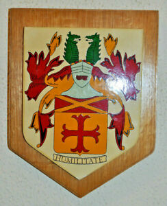 Carlile family plaque shield crest coat of arms