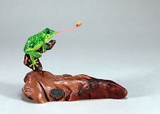 FLY-CATCHING FROG Statue New direct from JOHN PERRY 5in tall Figurine on Wood