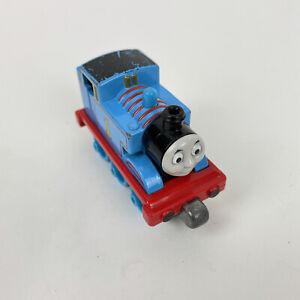 2012 THOMAS & FRIENDS #1 THOMAS TAKE ALONG & PLAY DIECAST MAGNETIC TRAIN ENGINE