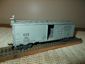 VERY OLD 1950's ALL METAL BOXCAR, UNBRANDED
