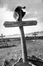 WWII B&W Photo German Soldier Grave in Tunisia 1943  World War Two   WW2 / 2337
