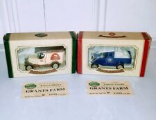 Pair of Oxford Die cast Grants Farm Bread Delivery Trucks England NEW