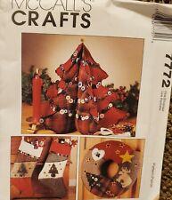 McCalls Crafts pattern 7772 Tree Centerpiece, Wreath, Stockings, Ornaments uncut