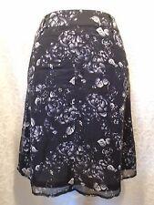 City DKNY 100% Silk Black White Floral A-Line Skirt Sz 2 Career Casual -E-