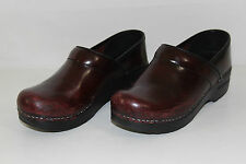 Dansko Womens Size 37 US 6.5-7 Red Brown Leather Slip On Heels Clogs Shoes NICE