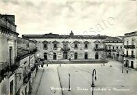 Cartolina di Francofonte, piazza Garibaldi e municipio - Siracusa