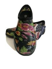 New Sloggers Garden /yard shoes Black floral waterproof size 7