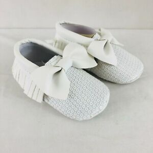 Baby Girls Dress Shoes Soft Sole Sequin Bow Fringe Faux Leather White Size 2