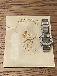 Vintage Alba Seiko Winking Mickey Mouse Digital Watch Y744-5000A W/Orig Material