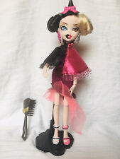 Display MGA Bratzillaz Magic Night Out Cloetta Spelletta Doll with Brush & Stand