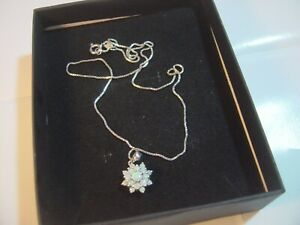 """BEAUTIFUL SOLID SILVER 17"""" BOX CHAIN &SUPERB REAL GENUINE """"OPAL"""" FLOWER PENDENT"""