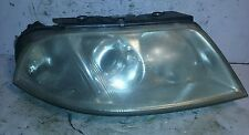 VW PASSAT RH HEADLIGHT 01 02 03 04 2001 2002 2003 2004