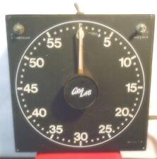 fl104 - Vintage GraLab Model 300 Universal 60 Minute/Second Darkroom Timer