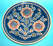 Studio Art Pottery - Attractive Wall Hanging Designer 20cm Plate (Signed Back).