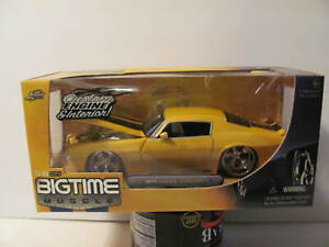 JADA Big Time Muscle 1:24 1971 Camaro Z28 from 2005 NEW - Gold w/ black stripes