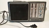 "10"" General Electric WB/AM/FM Radio No 7-2945A TV SOUND w/Handle AC Cord works"