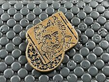 pins pin BADGE MUSIQUE SERGE GAINSBOURG CIGARETTE GITANES