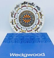 """Wedgwood Queen's Ware 1972 """"Animal Carnival"""" 10"""" Calendar Plate Mint in Box"""