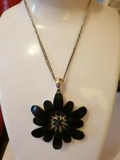 Fashion Jewellery large black flower Pendant on Chain necklace