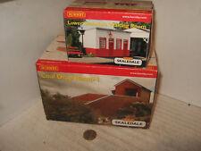 Hornby R8733 Coal Drop Ramp 1, & R8719 Lower Skaledale Waiting Room OO Gauge.