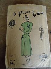 """ANCIEN PATRON LA FEMME ET LA MODE ROBE A DECOUPE     """" ANNEE  1950"""