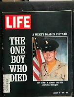 LIFE MAGAZINE Jan 21 1972 VIETNAM WAR CASUALTIES / Ralph Nader / Hubert Humphrey