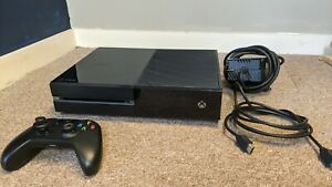 Microsoft Xbox One 500GB Black ConsoleComplete /W Cords, Controller and 2 Games