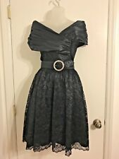 Fashion Net. Work Vtg. 7/8 Blk Sweetheart Neckline Belted Satin & Lace Dress